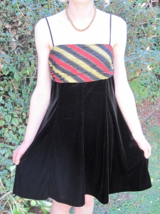 Vintage velvet dress (under $20) – The Modern Miss, Moray Place, Dunedin