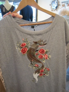 'Fox in the Roses' T-shirt