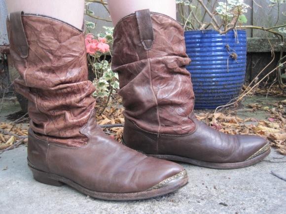 American vintage boots ($30) – SaveMart, 34-36 Stafford Street
