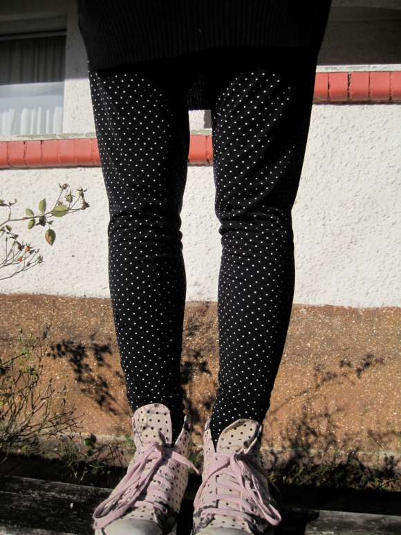 Rachel Blackburn leggings ($30) – Vintage Roundup at Queens.