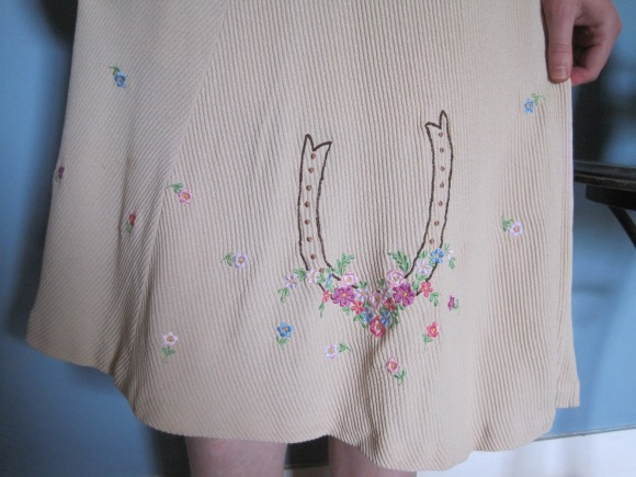 1930s/40s day dress from Two Squirrels Vintage close-up to show embroidered detail.