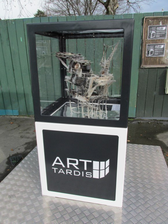 Art Tardis, North Road