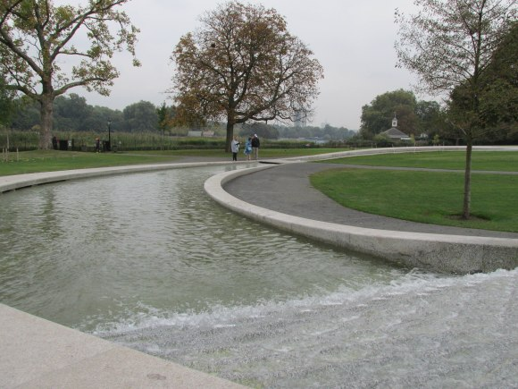 Princess Diana Memorial Fountain, Hyde Park
