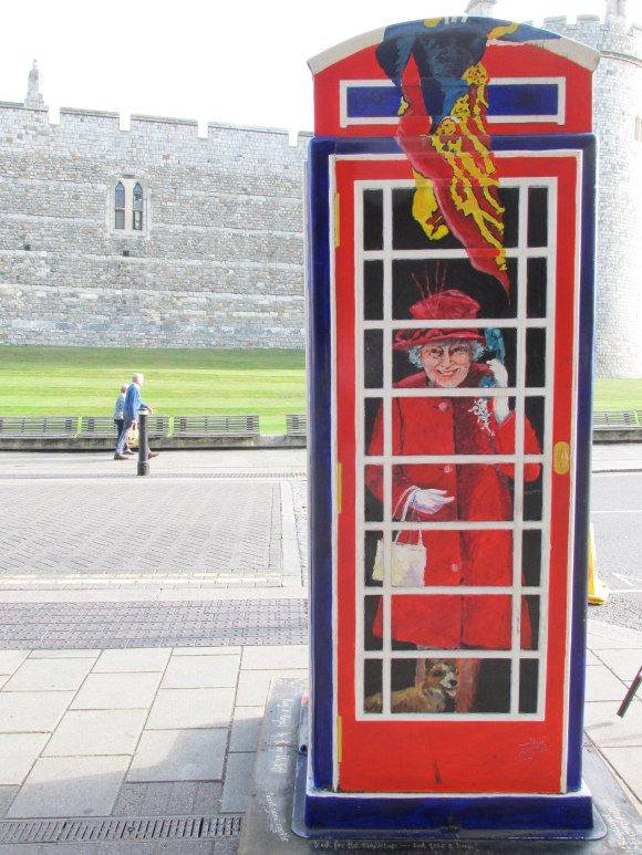 'Ring A Royal' by Timmy Mallett at Windsor