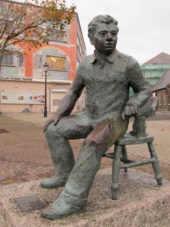 Dylan Thomas sculpture by John Doubleday