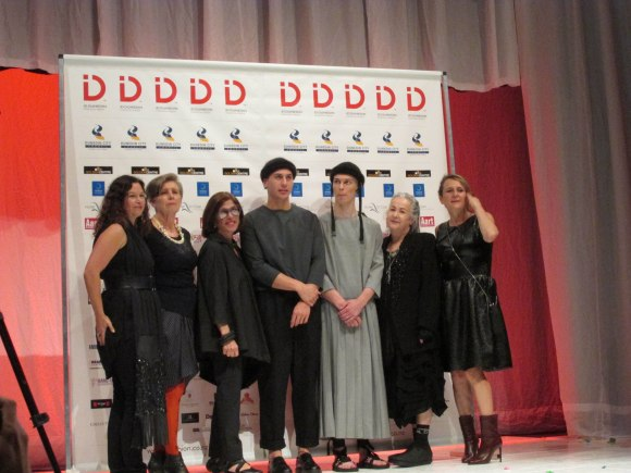 From left: Carolyn Enting (MiNDFOOD associate editor), Doris de Pont (designer), Doris Raymond (owner of 'The Way We Wore' vintage store), Steve Hall (Massey University, MiNDFOOD Style 1st place), Steve Hall's model, Margi Robertson (designer of NOM*d), Tanya Carlson (designer).